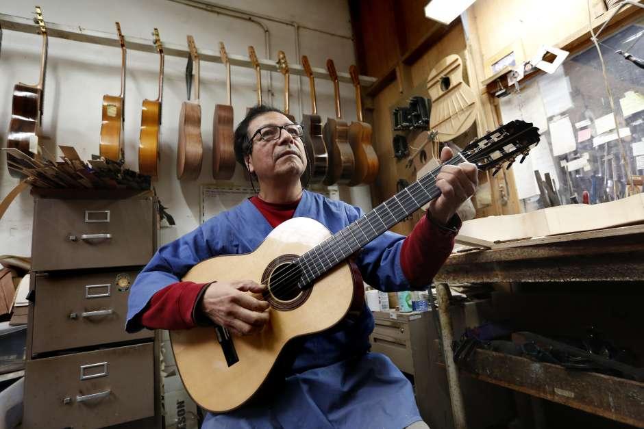 La guitarra de 'Coco' es michoacana y con ascendencia española