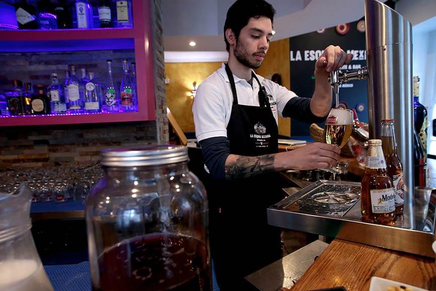 Cervezas mexicanas, mezcales, tequilas, cócteles y mucho más.  Restaurante La Esquina Mexicana, Madrid. Foto: Juan Carlos Rojas