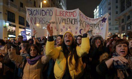 'La Manada': condenados por abusos sexuales pero en libertad provisional