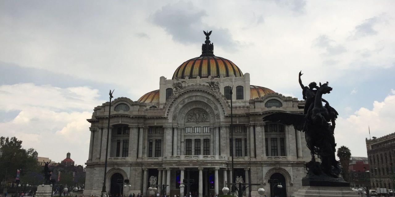 Turibús: curar la nostalgia de la Ciudad de México