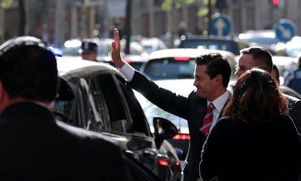 """Peña Nieto niega versiones de que vivirá en España: """"Son cuentos chinos"""""""