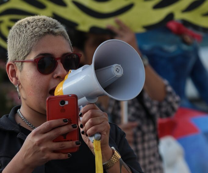 Mexicanos repudian visita de EPN en Cibeles