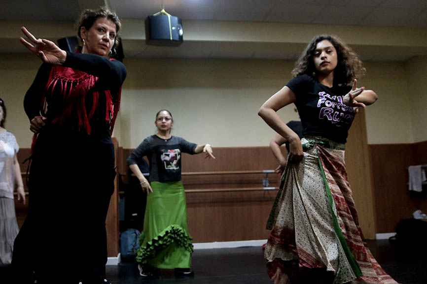 Bailaora mexicana imparte clases a mexicanas en Madrid