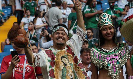 Los disfraces más llamativos de aficionados mexicanos en Rusia