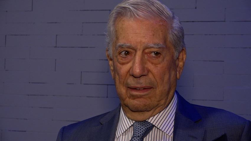 """Vargas Llosa: """"Los primeros gestos de AMLO son tranquilizadores"""""""