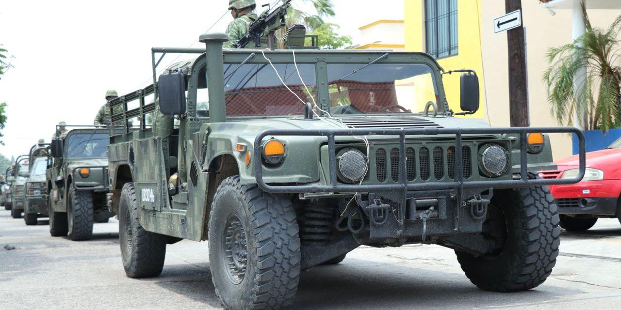 Desalojan poblado en Michoacán por choques entre grupos criminales