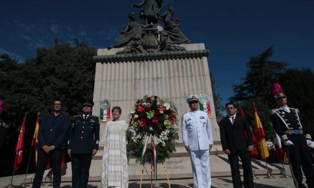 """Destaca Lajous el """"ímpetu"""" de la comunidad mexicana en España"""
