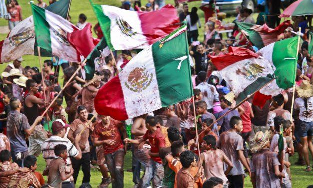 Exhiben en Cádiz las coloridas fiestas de Ixtlilco el Grande (Morelos)
