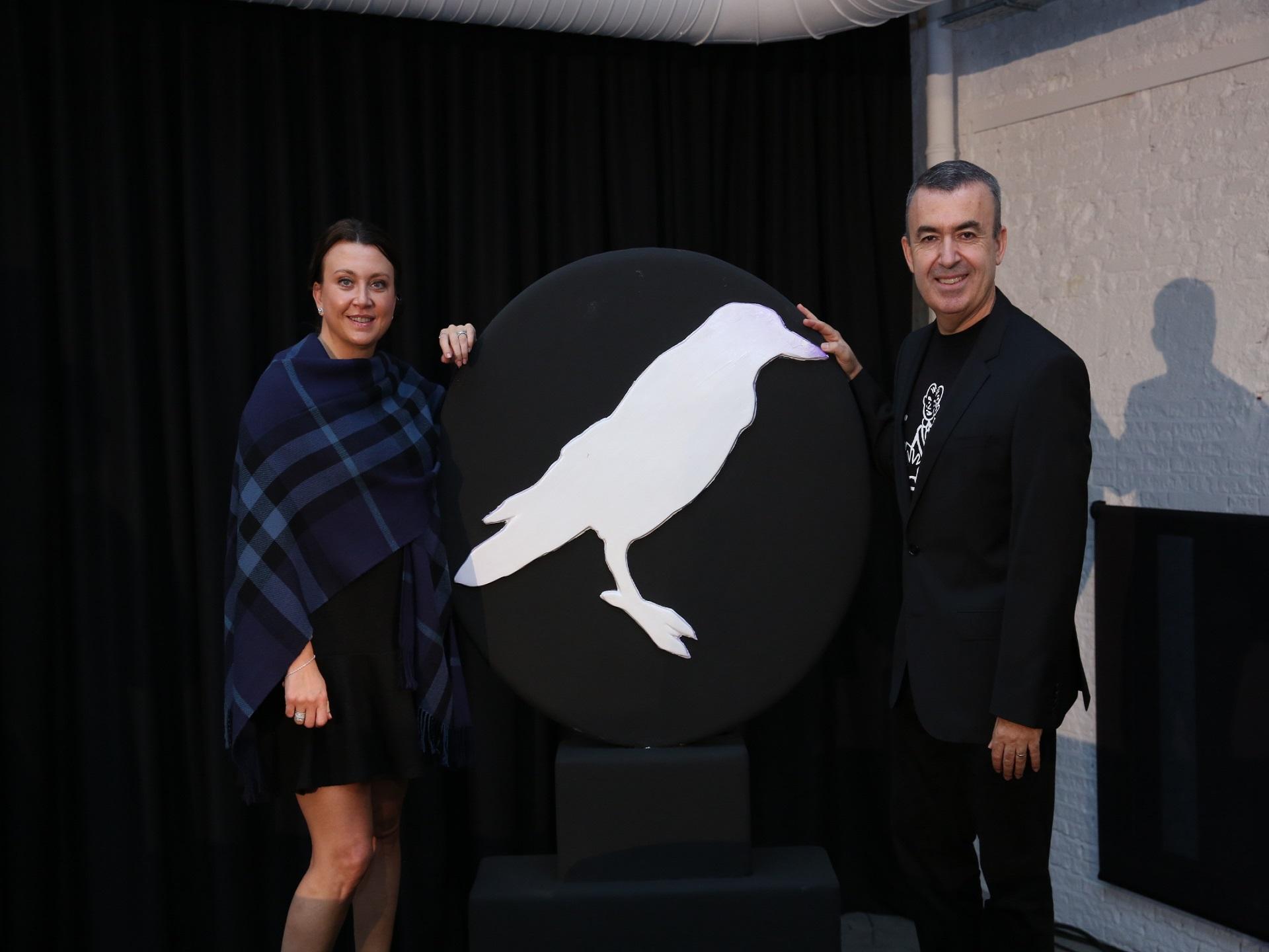 Lorenzo Silva, escritor y comisario del festival, y Camila Läckberg inaugurando la XI edicición de 'Getafe Negro'. Imagen: 'Getafe Negro'