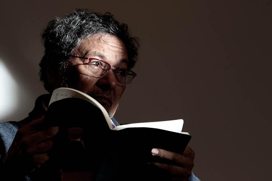 Élmer Mendoza: educación y literatura negra para mejorar México