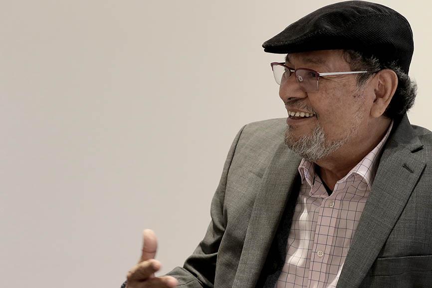 Elmer Mendoza imparte taller de  Novela en Casa de México