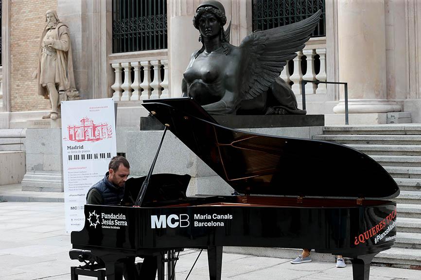 La música de los pianos de cola viaja por Madrid