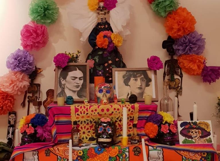 Altares a Frida Khalo y Maruja Mallo en Galicia por el Día de Muertos