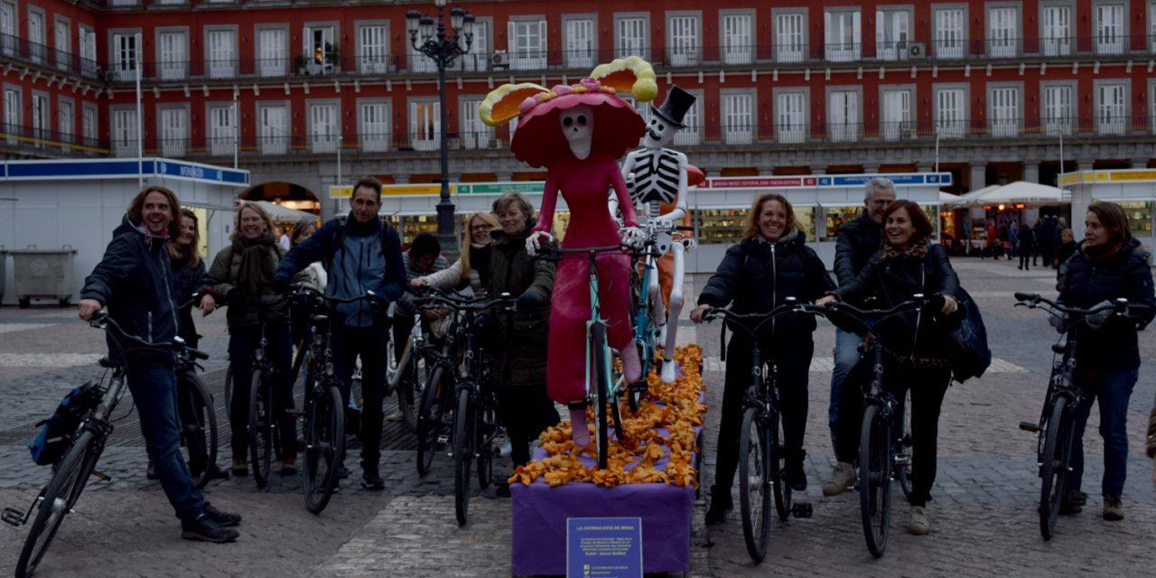 El 'padre' de las cuatro catrinas en la Plaza Mayor de Madrid