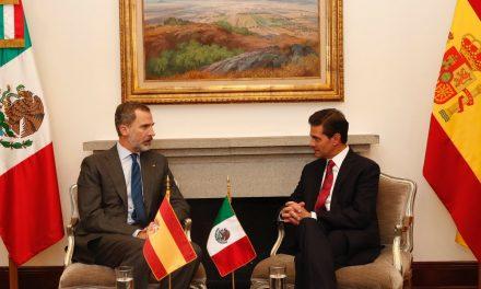 Felipe VI se reúne con Peña Nieto antes de asistir a la toma de posesión de AMLO