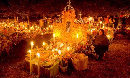 Así se vive la noche de muertos en Michoacán