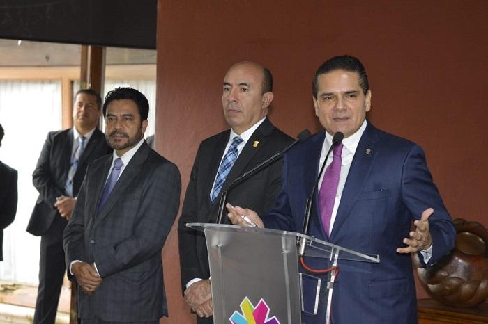 Garantizan salario de maestros en Michoacán, ante amenaza de huelga