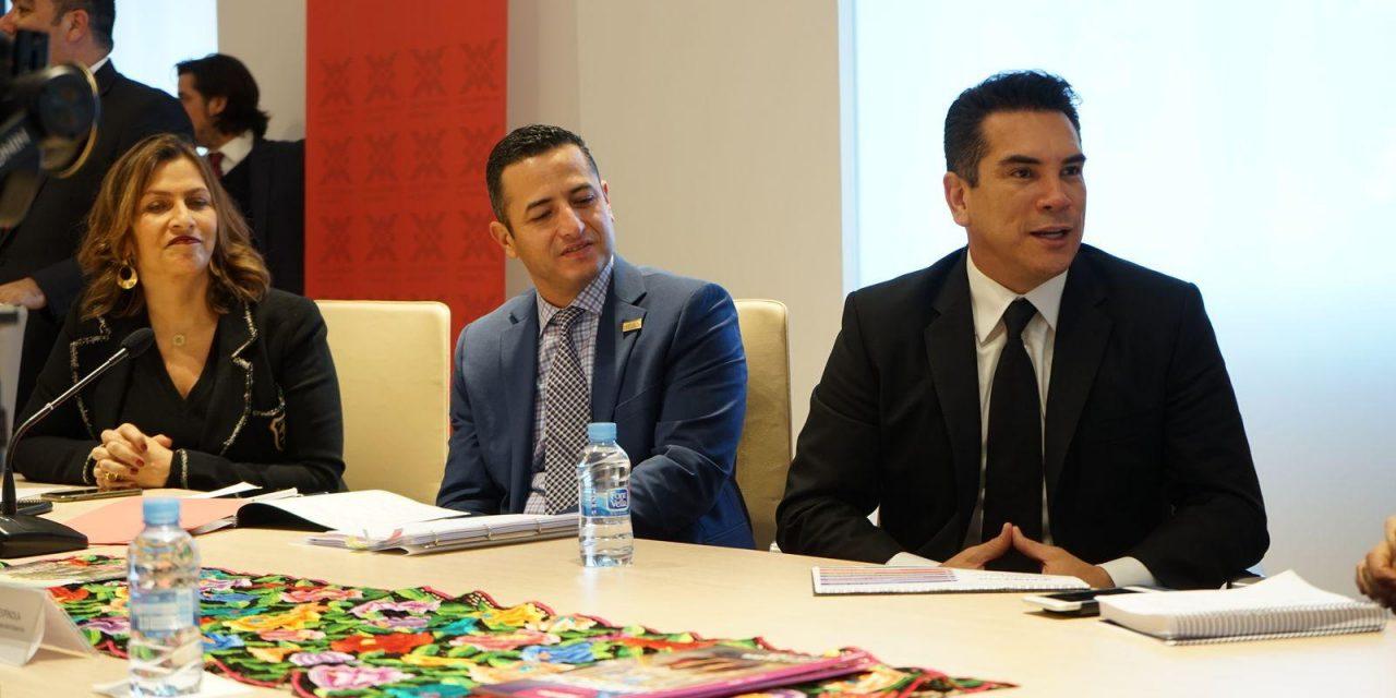 Gobernador 'campechano' invita a invertir en el estado más seguro de México