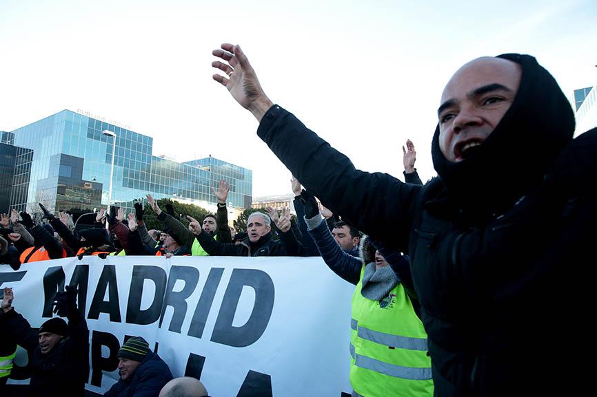 Huelga de Taxis en España, Madrid y Barcelona las ciudades con