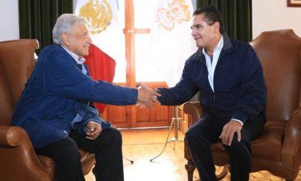 Gobernador de Michoacán rompe con el gobierno por pago de nóminas