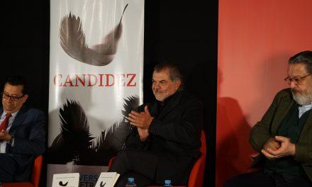 Candidez: el libro de Fernando Viveros que quiere dar luz a la sociedad hipermoderna
