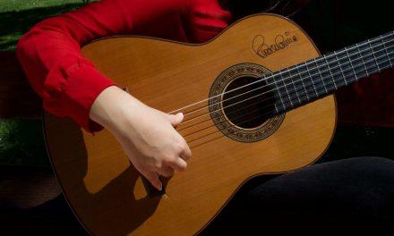 Jalisco, Chicago y Paco de Lucía en la primera mujer mexicana guitarrista de flamenco