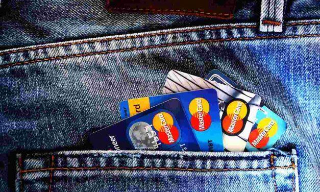 Cómo defenderse del fraude online, que afecta a 4 millones de usuarios de tarjetas de crédito