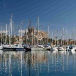 Descubrir la belleza de Palma de Mallorca desde las aguas de su bahía