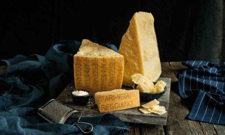 Los secretos del Parmigiano Reggiano, rey de los quesos italianos
