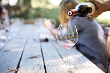 Enólogo mexicano produce vino en Nueva Zelanda y lo exporta a México